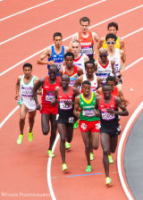 04. Mo Farah in the pack in the 5,000m heats
